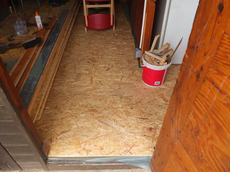 Fußbodenbelag Gartenlaube ~ Renovierung der gartenlaube teil fußboden mit verlegeplatten