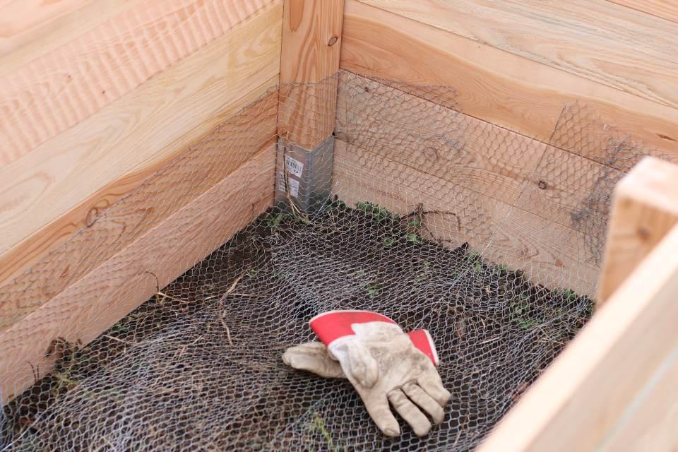 Einfaches Hochbeet selber bauen Drahtgeflecht fertig